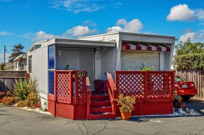 Santa Cruz single wide - vintage mobile home style