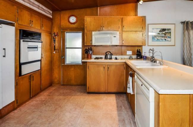Santa Cruz single wide kitchen