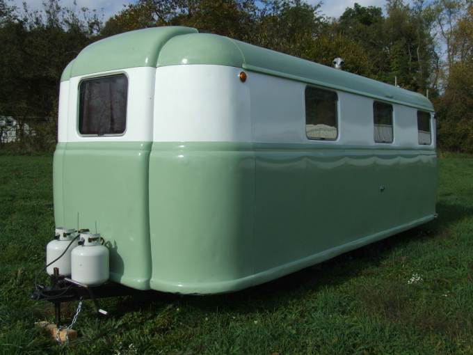 Vintage Trailer Beauties- 1949 Palace Royale (1)