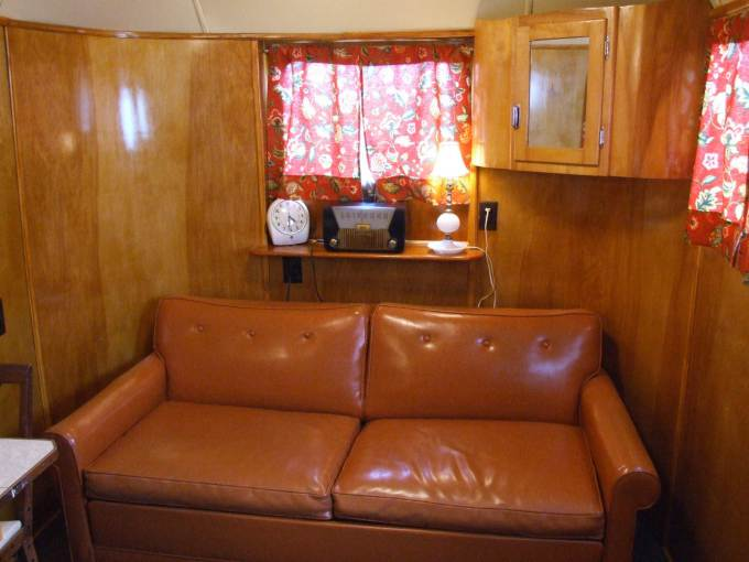Vintage Trailers for Sale- 1949 Palace Royale (12)