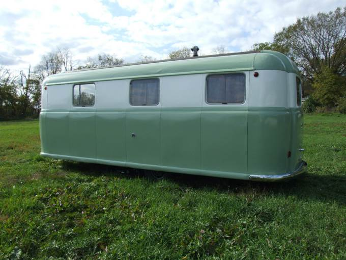 Vintage Trailer Beauties- 1949 Palace Royale (4)