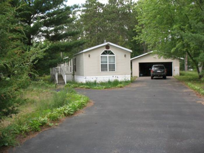 Our 10 Favorite Craigslist Manufactured Home Listings in July 2017 - WI single wide