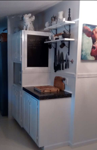 affordable ideas to update mobile home kitchen - adding chalk paint to cabinets