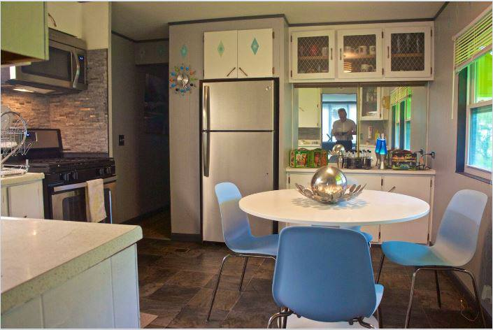 affordable mobile home remodel - 1968 Landola single wide goes Retro (gorgeous retro kitchen decor)