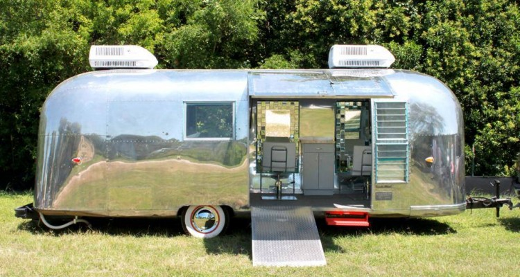 An awesome and very unique airstream remodel for Salon mobil home