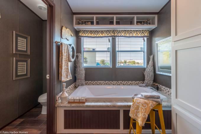 Arlington manufactured home design - master bathroom 2