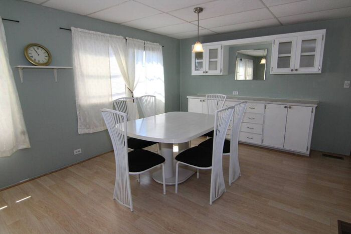 bargain mobile homes for sale-1972 dining room