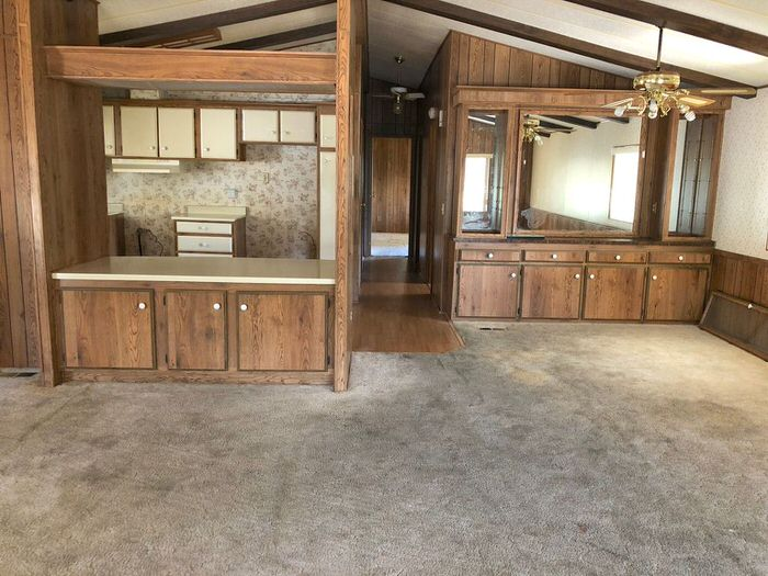 bargain mobile homes for sale-1985 built-ins