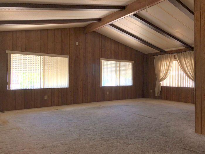 bargain mobile homes for sale-1985 living room