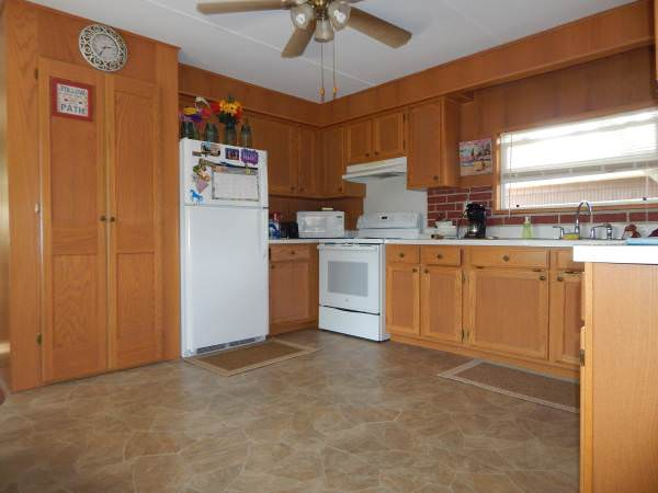 bargain mobile homes for sale-kenwood kitchen