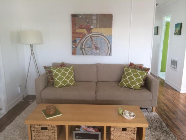 beach cottage decor in a mobile home living room