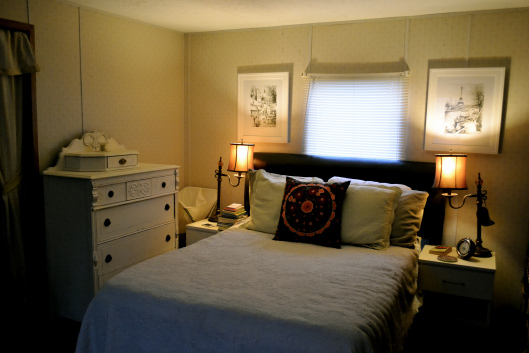 beautiful eclectic single wide decor - bedroom