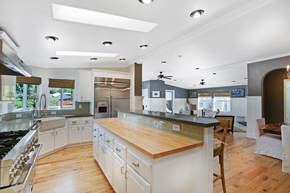 Manufactured Home Interior Design Tricks-lots of light
