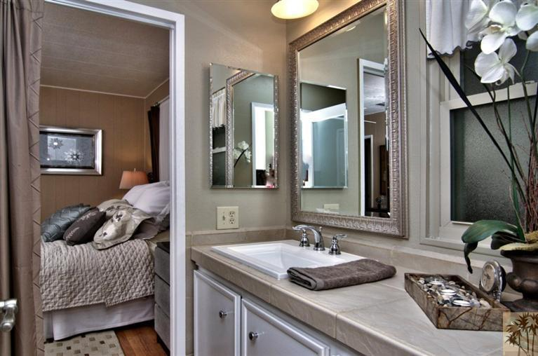 beautiful manufactured home tour - bathroom
