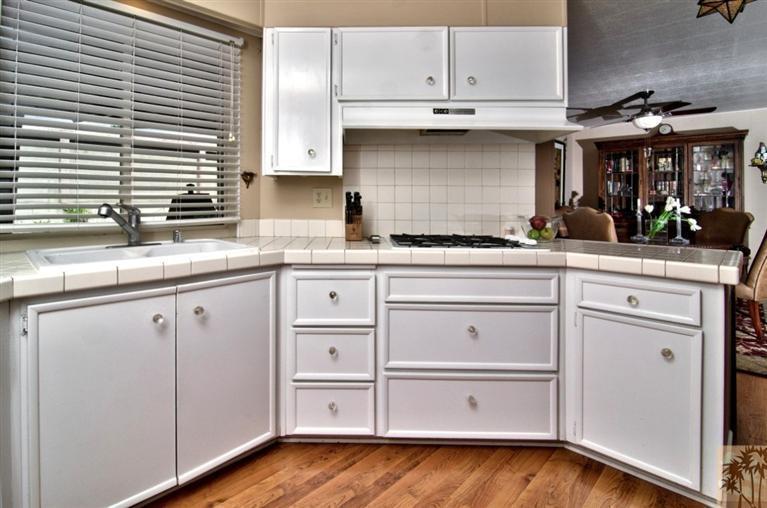 Beautiful manufactured home tour - kitchen 3