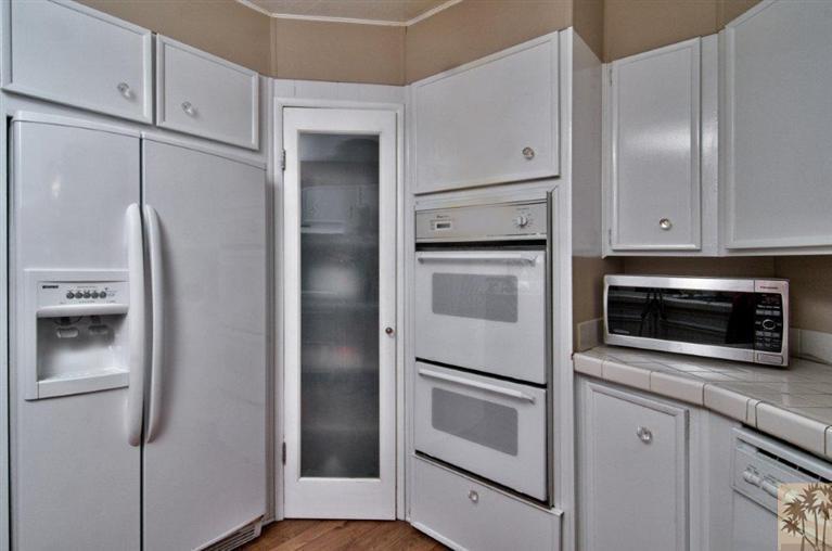 beautiful manufactured home tour - kitchen 4