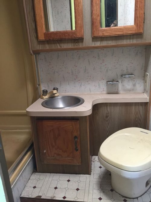 motorhome RV makeover - bathroom before