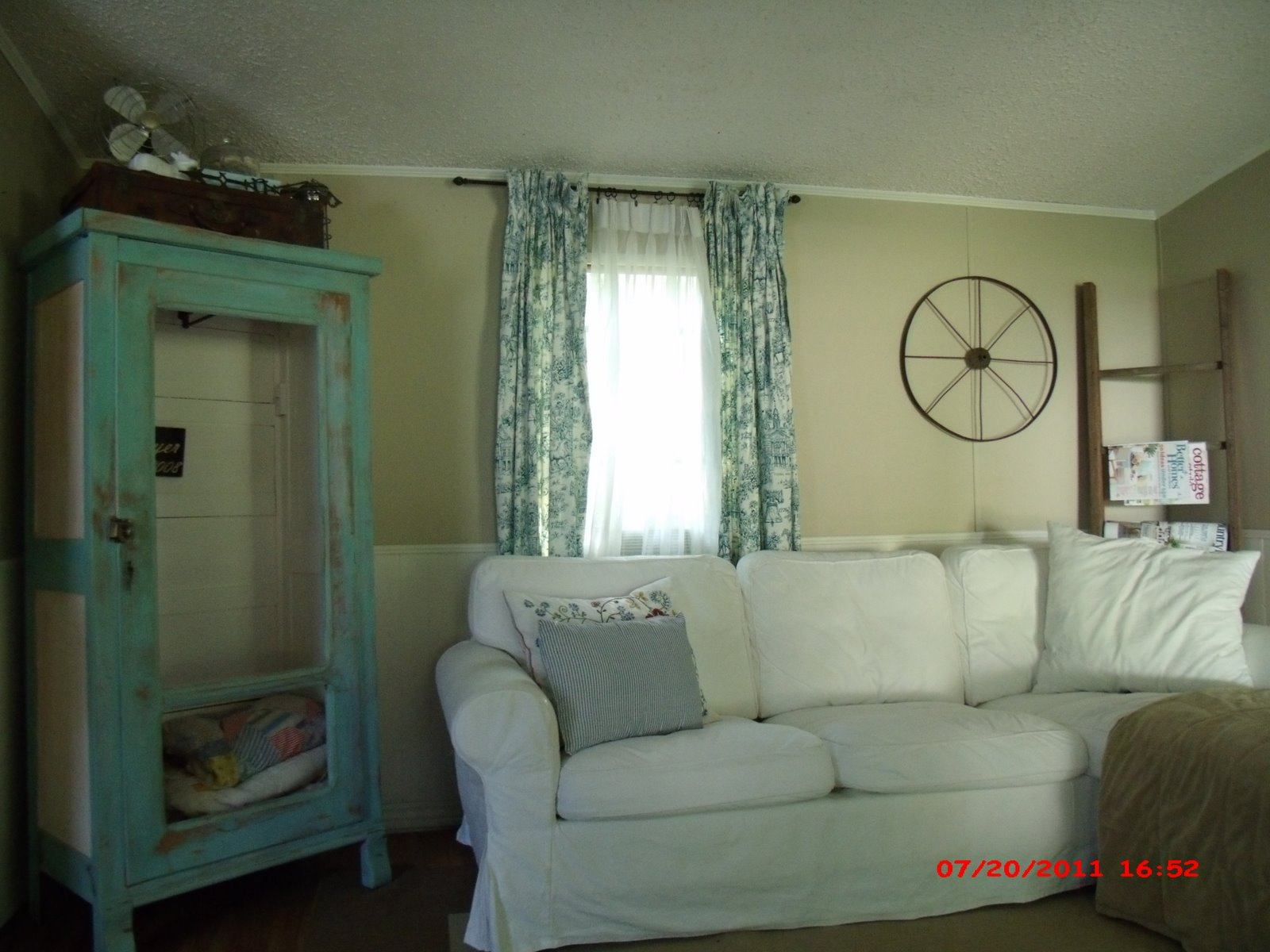 Momma hen 39 s beautiful single wide makeover - How to decorate a mobile home decor ...