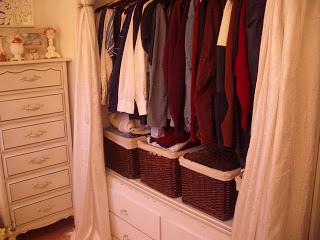 Amazing mobile home-closet
