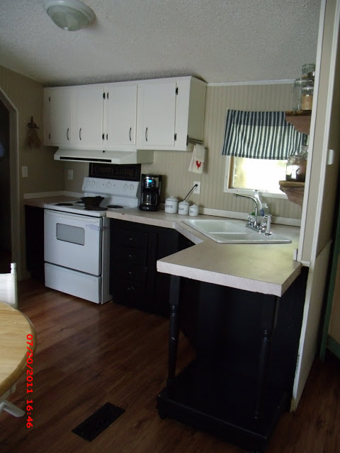 Beautiful Single Wide Makeover - Momma Hen's Manufactured home makeover