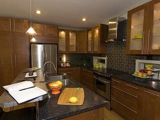 clayton i house-kitchen