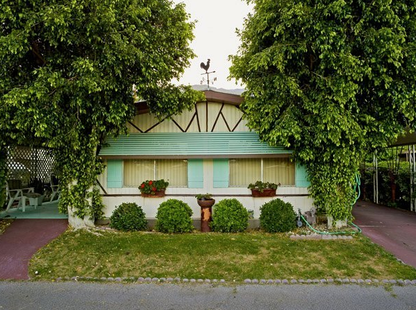Small Dreams, Trailer Parks in Palm Springs: A Typology 14