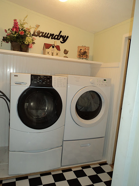 Small Mobile Home Laundry Room 480 x 640