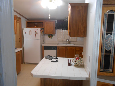 manufactured home-kitchen before