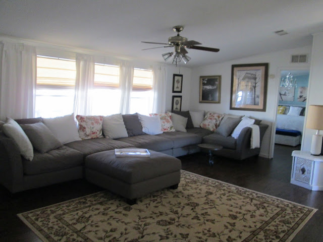 manufactured home makeover-living room