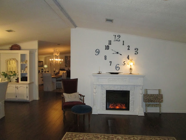 Manufactured home-fireplace