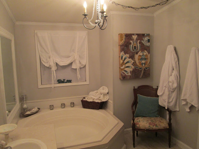 manufactured home-master bath after