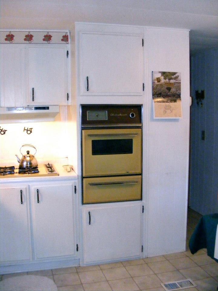 single%2Bwide%2Bkitchen%2Bremodel%2B81 Painted Single Wide Mobile Home on painted trim in a mobile home, interior painting ideas for mobile homes, kitchen western country homes,