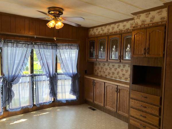 budget-friendly mobile homes-victorian built ins