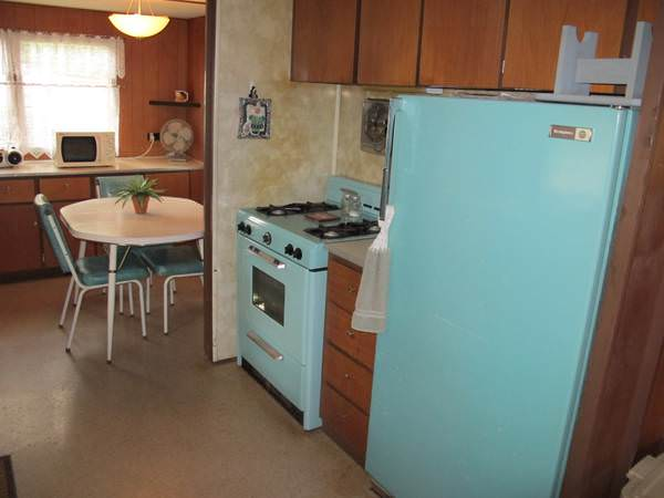 budget-friendly mobile homes-vintage appliances
