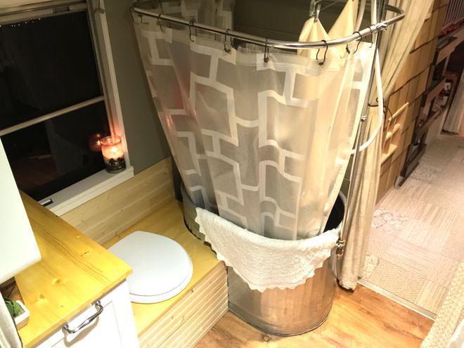 bus conversions-big bertha tub