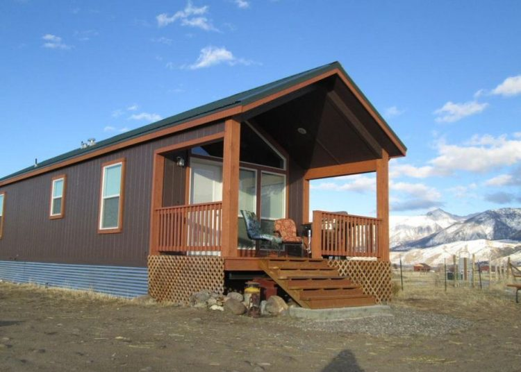 buying a mobile home in montana-tiny home