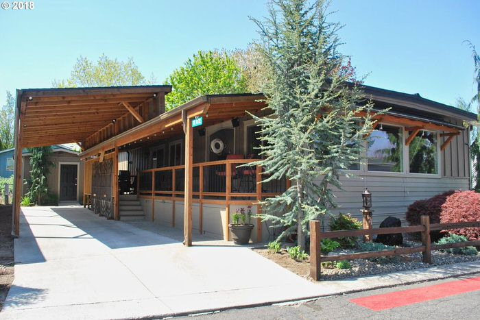 buying a mobile home in oregon-home with carport