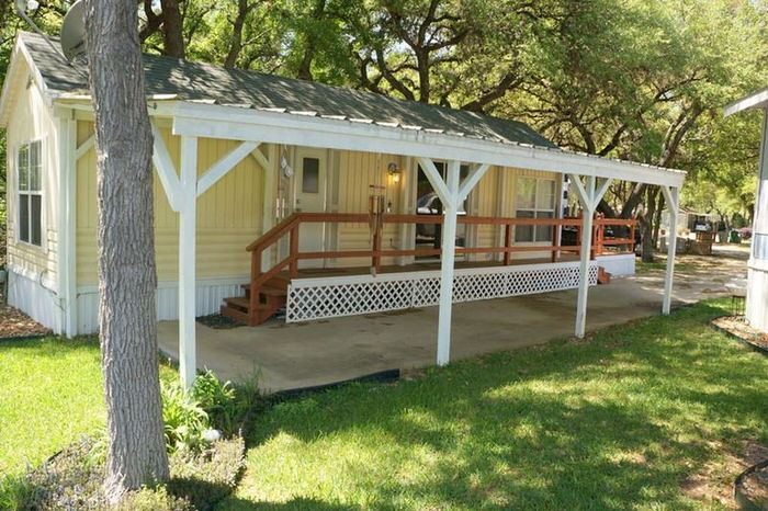 buying a mobile home in texas-tiny home