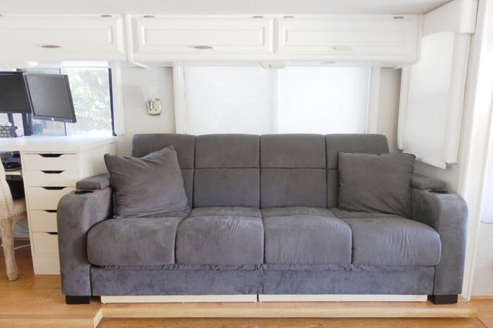 3 Cute Camper Decorating Ideas -rv couch