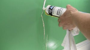 vinyl walls in mobile homes-caulking wall cracks and gaps