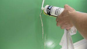 vinyl walls in mobile homes-caulking wall cracks and gaps