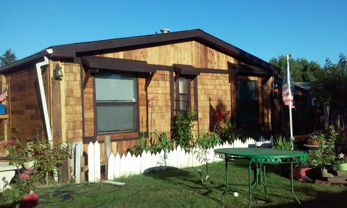 cedar-siding-on-manufactured-homes-affordable-cedar-siding-project-after-end-of-home-back-end
