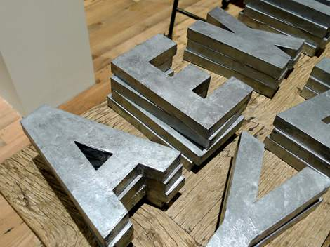 Cheap-wall-art-ideas-paper-mache-letters-2
