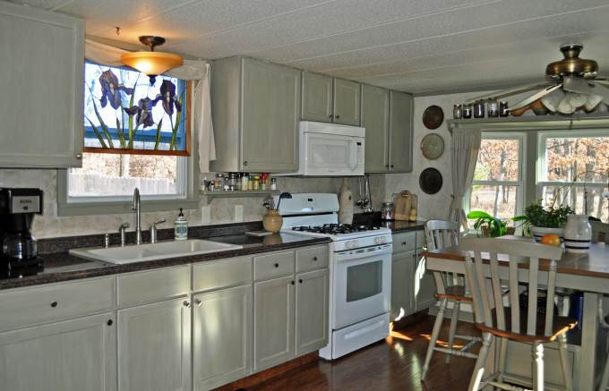 debt-free living - mobile home kitchen makeover