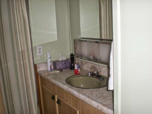 1968 DIY mobile home transformation - bathroom update