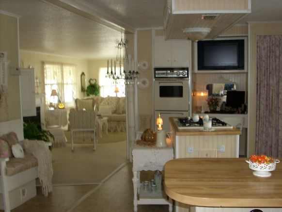 cottage decor in a manufactured home kitchen