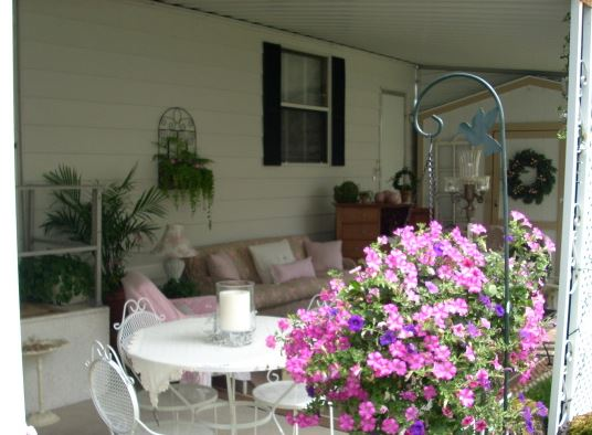 cottage style mobile home decorating