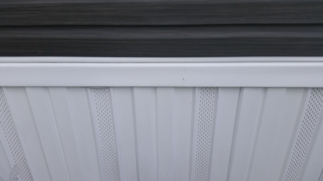 vinyl skirting on a new double wide manufactured home