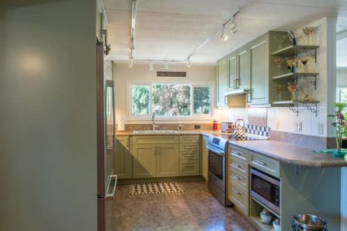 declutter your mobile home-kitchen countertops