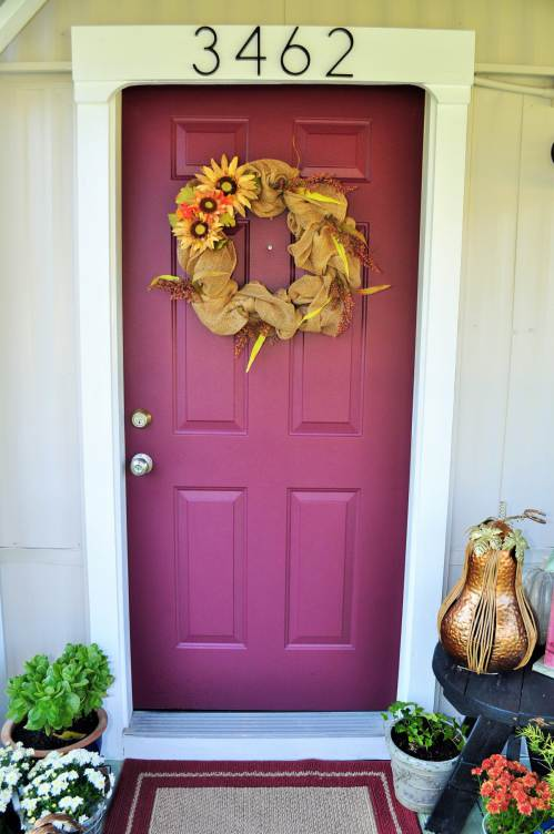 decorating a front door on a mobile home